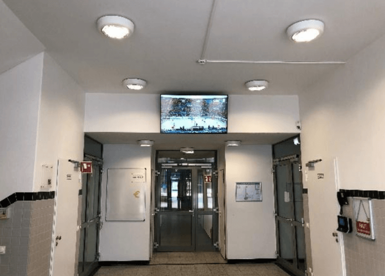 Digital Signage Live TV. Aktuelle Ereignisse durch Livestreaming
