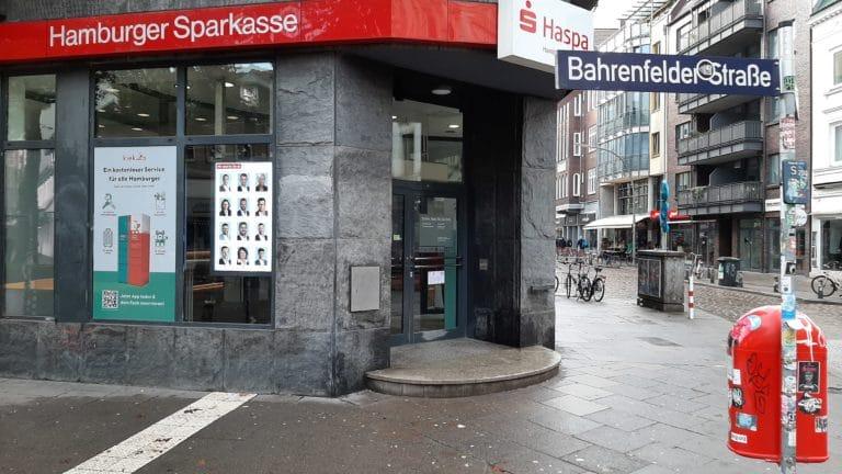 Digitales Schaufenster Haspa Hamburg. Aus Theorie wird Praxis