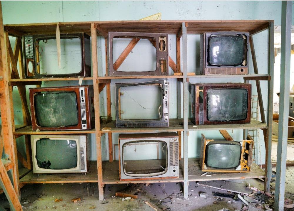 Digital Signage über 60 Jahre alte Fernseher. Eher ein Kunstprojekt