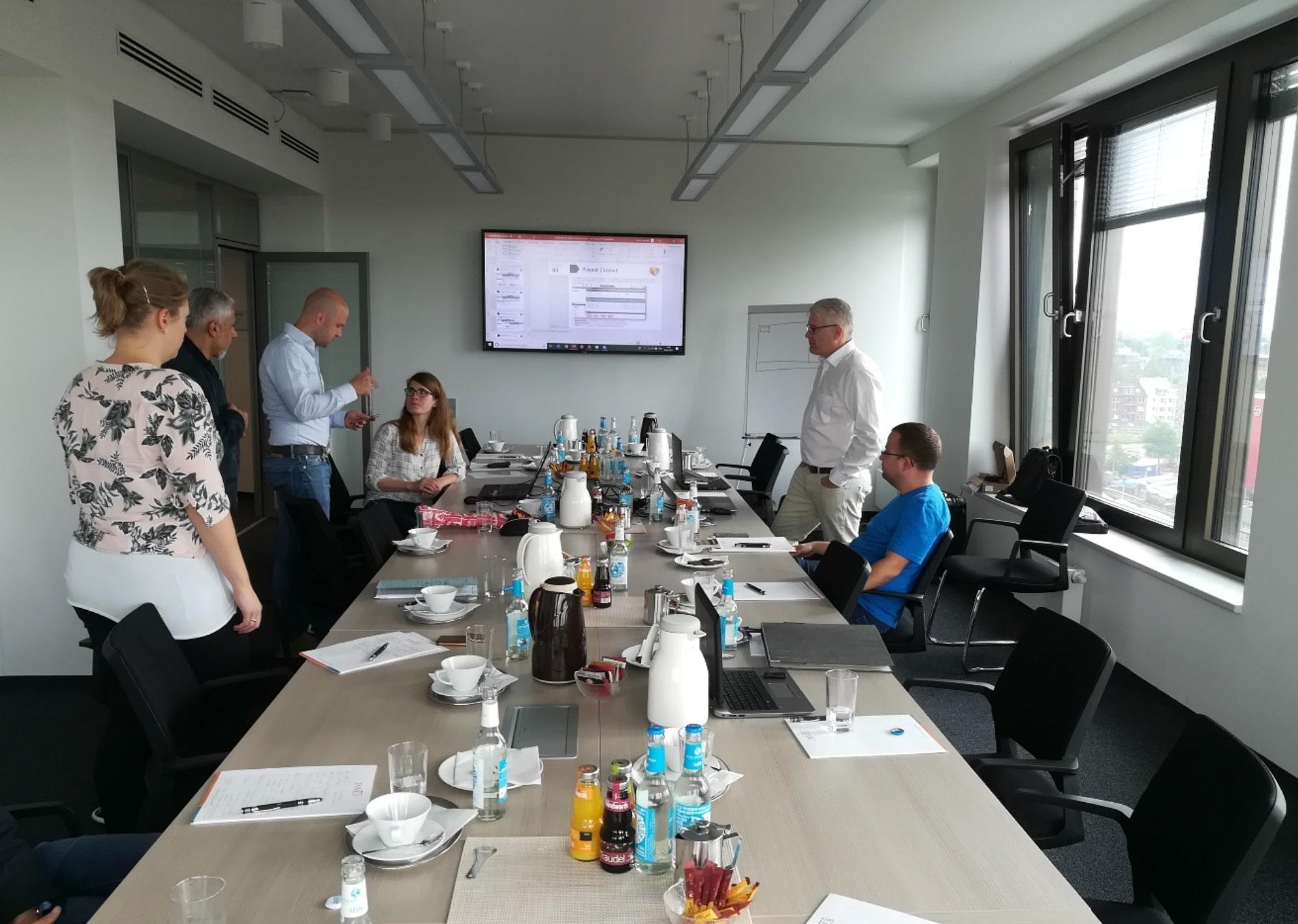 Digital Signage Workshops sind der Schlüssel zu einem erfolgreichen Projekt. Kosten udn Ärger werden so effektiv vermieden